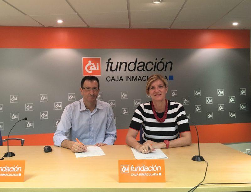 Firma convenio María González y Manuel Rodríguez 18